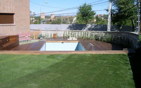 Construccón de piscina y jardín